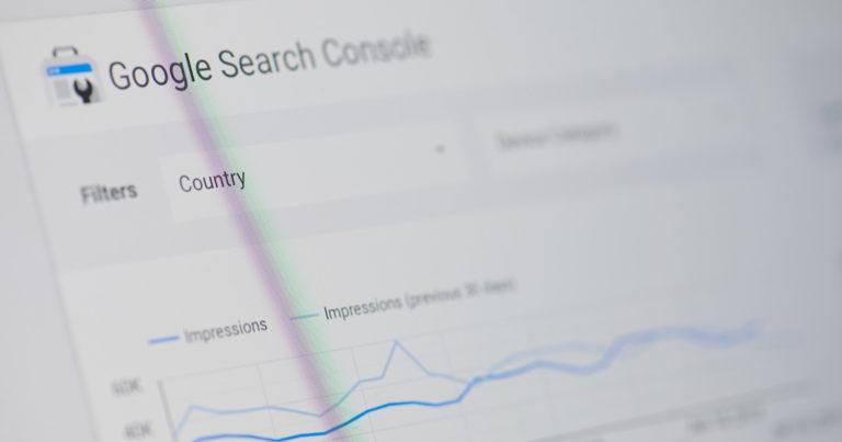 Mises à jour de la Google Search Console: contrôle accru des données et notifications par e-mail
