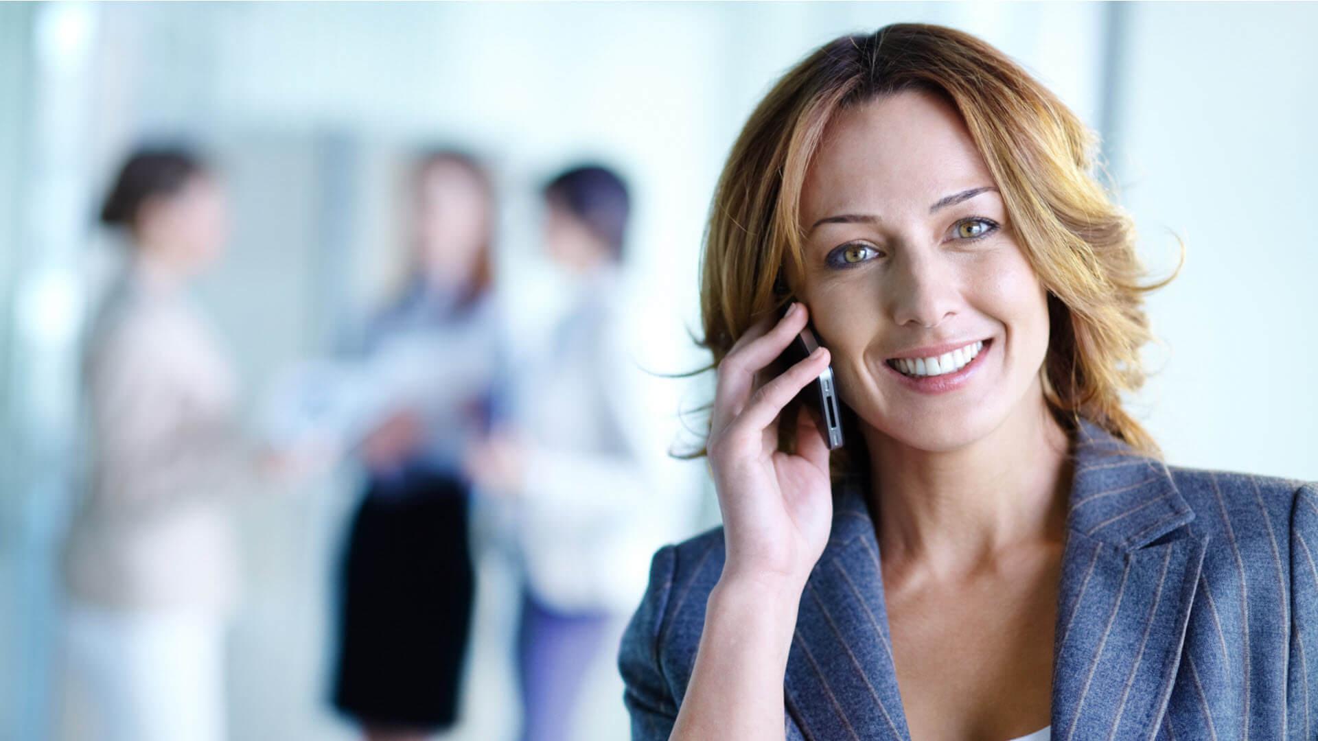 Le Lead Center de CallRail est un système de téléphonie virtuelle et un centre de contact pour les PME