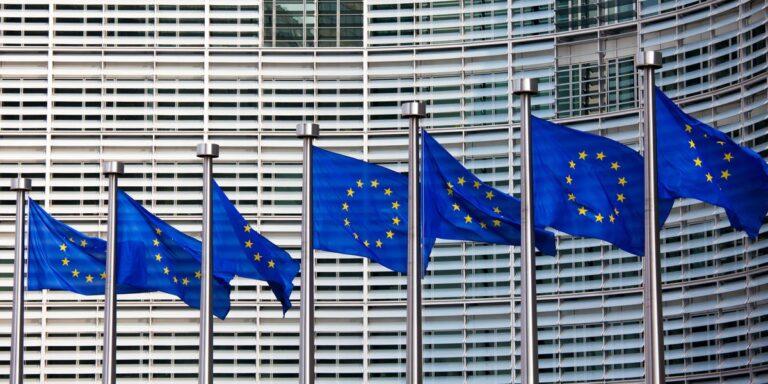 L'UE adopte une loi d'urgence permettant aux entreprises technologiques de filtrer les messages de maltraitance d'enfants